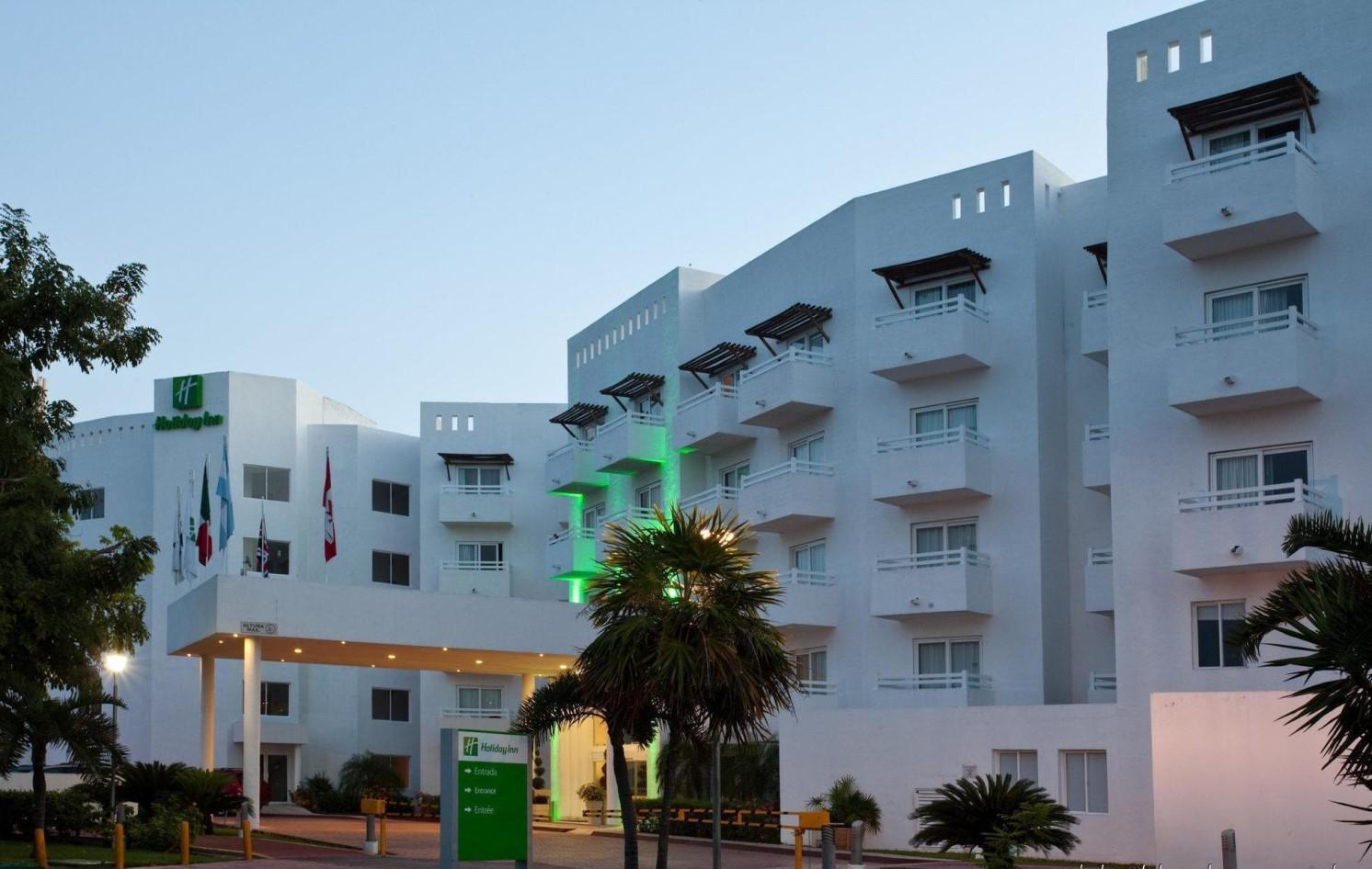 holiday-inn-cancun-arenas